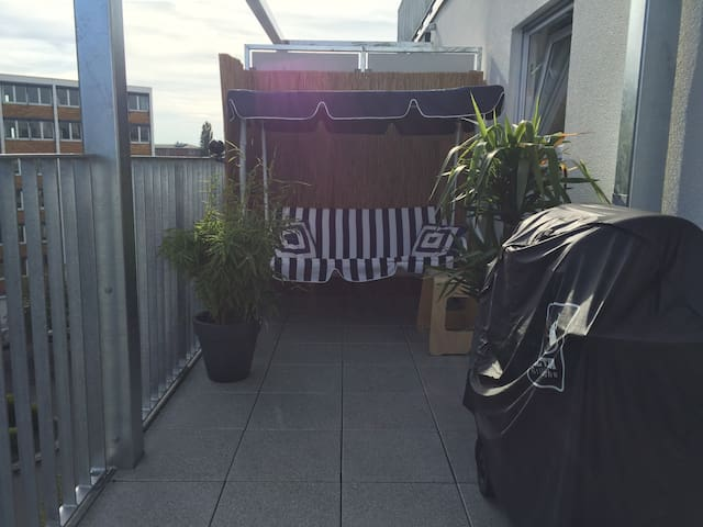Furnished Room (17sqm) - Frankfurt am Main - Leilighet