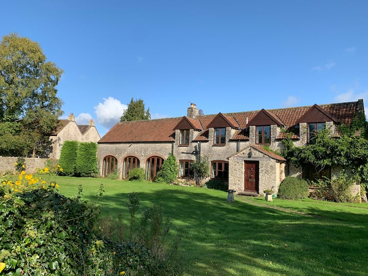 A relaxed, rural retreat close to Bath and Bristol