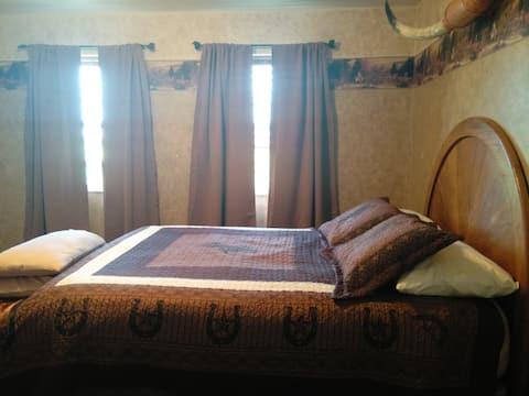Rockin Robbins Ranch:   Cowboy Guest Room