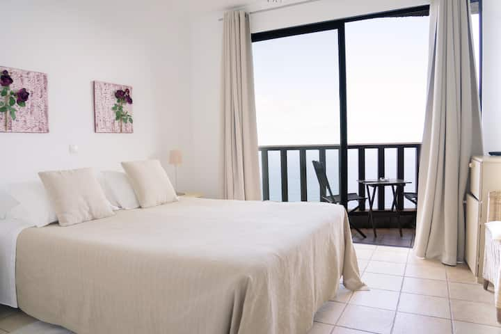 Double room with seaview 2 (Casa das Proteas)