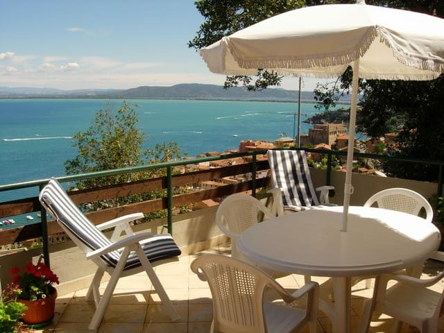Villa with breathtaking view - Porto Santo Stefano - วิลล่า