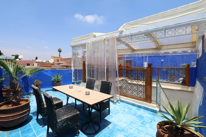 Riad Haloma - cozy and central with terrace