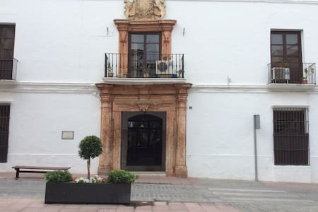 XVIII century house in the center - Lucena - Vila