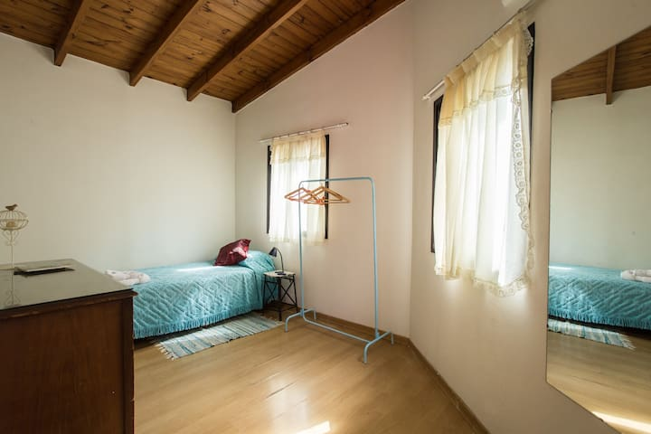 Cozy room in quiet urban oasis - Buenos Aires - Bed & Breakfast