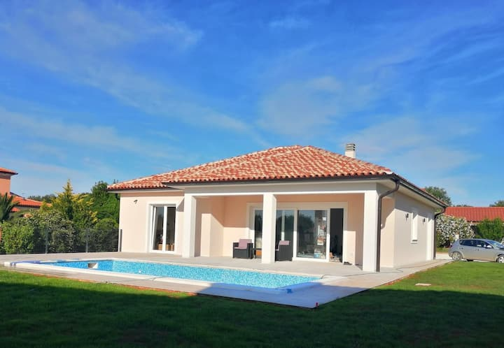 Brand new Villa Maris in Medulin with private pool