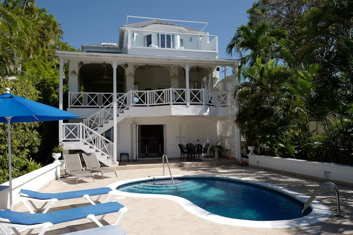 Weston Beach House - Fully Staffed, Luxury Villa