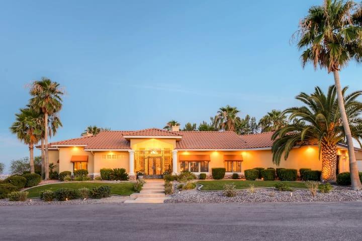 'Oasis of Golf Greats' Lavish 4BR Las Vegas Home