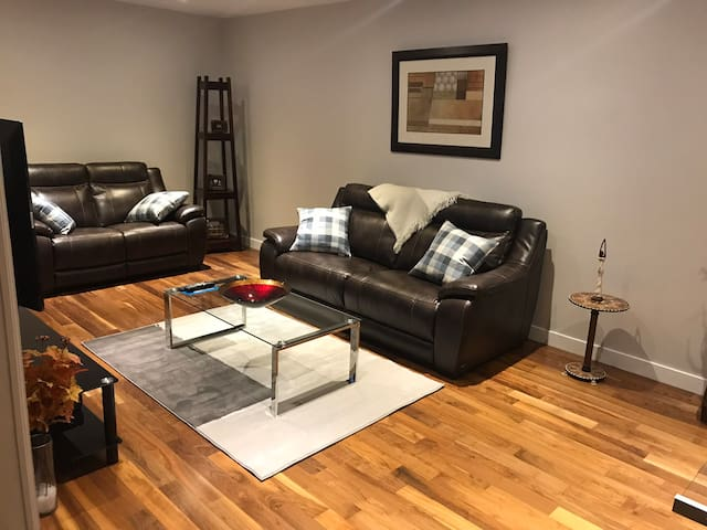 Furnished Executive condo for rent (minimummonthy)