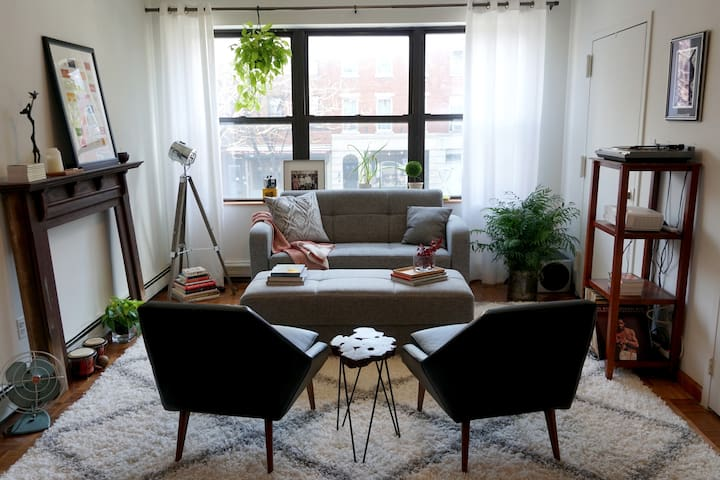 Large 2 bdrm loft with outdoor space + trains - Brooklyn - Leilighet