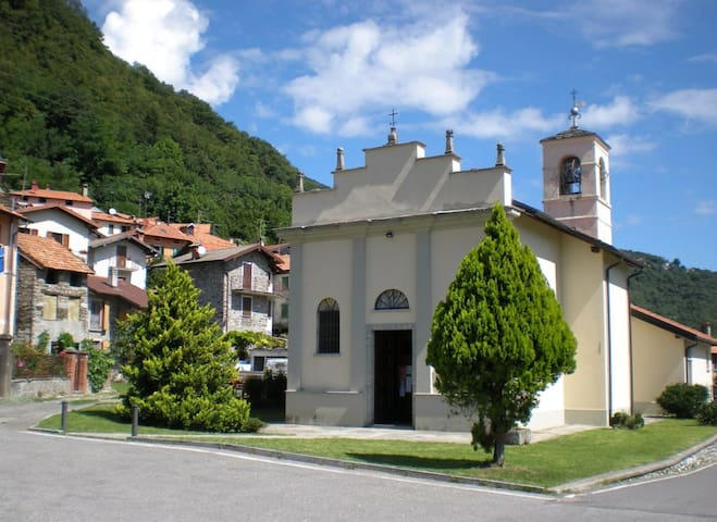 From Breglia, discovering the surroundings