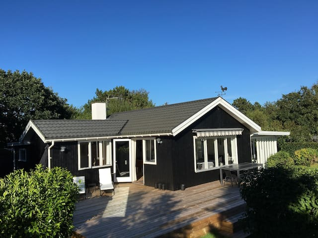 Cottage 300 meters from the beach - Hundested - Cabin