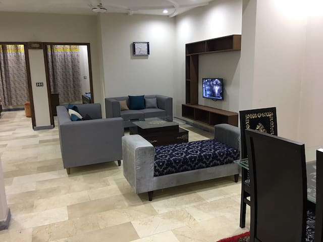 Brand New 2 Bed Apartment near Shaukat Khanum