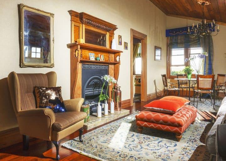 American Barn - Topaz Guest Room
