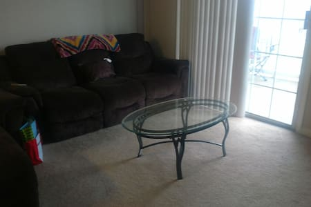 Entire Quiet Ventana Hills Apt - Coraopolis - Appartement