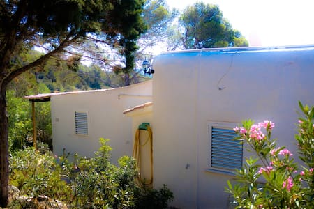 Nice bungalow in the north of Ibiza - Сан-Жоан-де-Лабритья - Бунгало