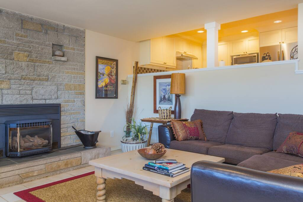 Welcome to your Lake Washington retreat, with big views and cozy spaces.