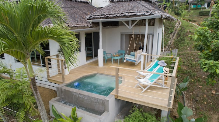 Seaview Plunge Pool room + Free Pak Bia Trip