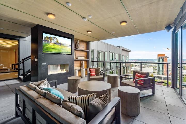 Tacoma Downtown | Clean Luxury Modern Studio - 22