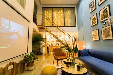 【蓝及其他】楼下就是太古里春熙路/设计师设计/极米超大投影/聚会可住6人