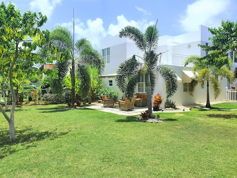 House 5 min beach and ferry Vieques&Culebra island