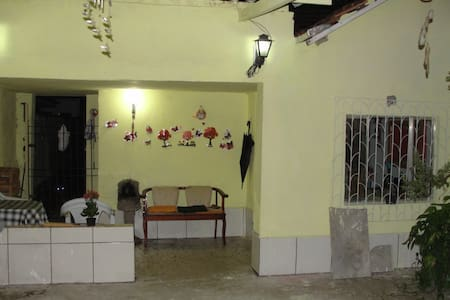 Casa com wifi e double bed - São Vicente