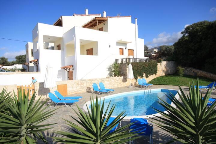 Exclusive Villa mit Pool, Meerblick in Kreta Rethy - Roussospiti - Villa