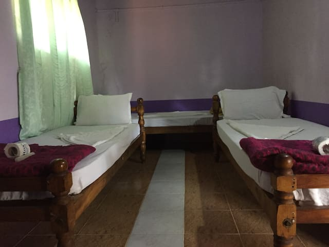 Single bed in 3 bedroom Dorm