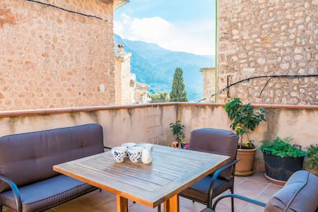 CAN MAYOL (FORNALUTX) - Chalet with terrace in FORNALUTX.