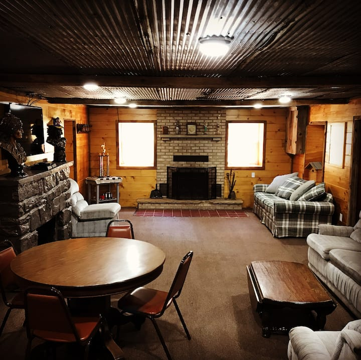 Rustic Lodge near Black Moshannon & Penn State