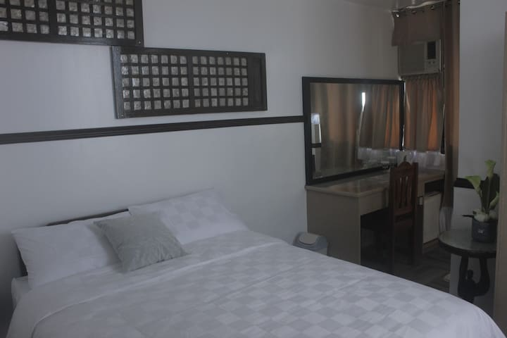 BEST ROOM IN TOWN w/ WIFI and FREE PICKUP