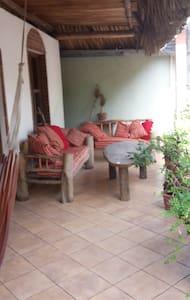 cuartos privados con terrasa - Monterrico - Casa