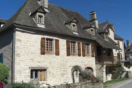 Old stone house deep in real France - Saint-Julien-aux-Bois