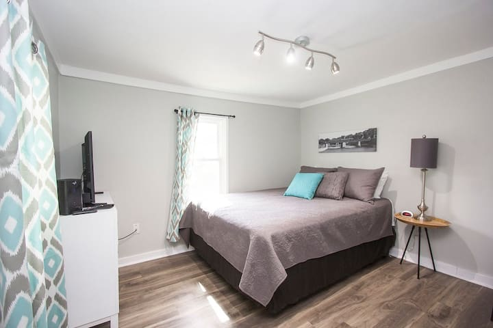 Sioux Suite Efficiency 1 bed 1 bath