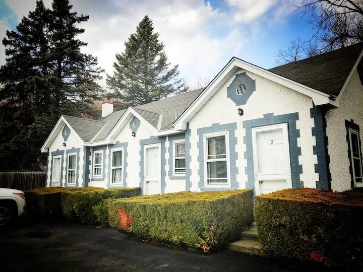 Bear Mountain Bridge Motel Room 3 (Family Room)