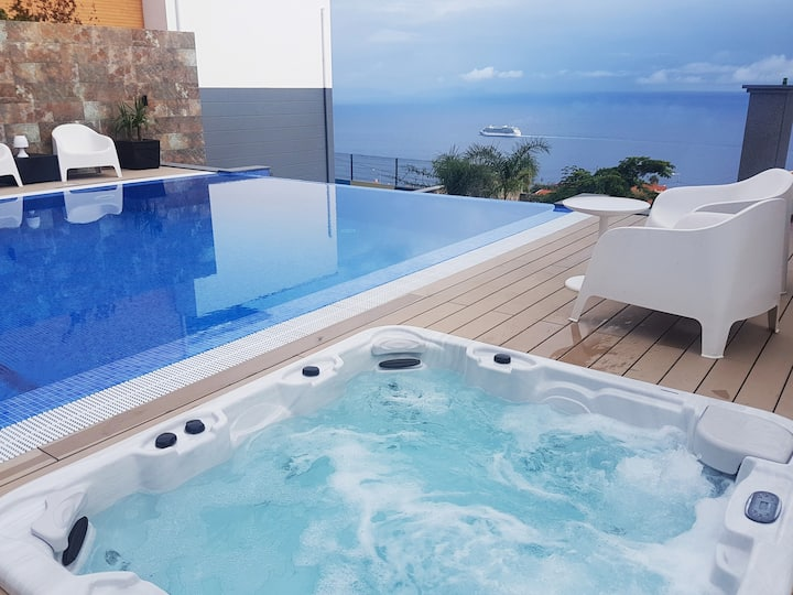 Villa Islands View - Apt. N, with Jacuzzi and Pool
