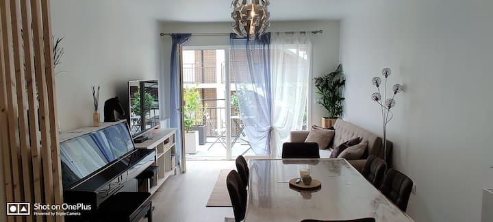 Appartement avec piano et vélos électriques