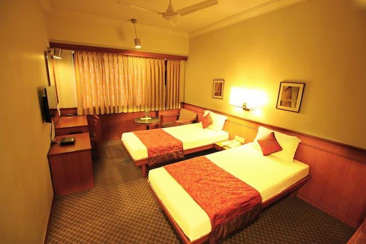 Hotel Skylon Ahmedabad