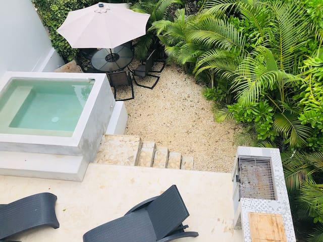 LUXURY VILLA IN BAHIA PRINCIPE TULUM