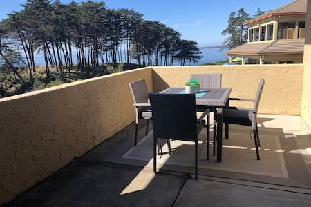 Oceanfront 1BR Condo at Seascape Beach Resort