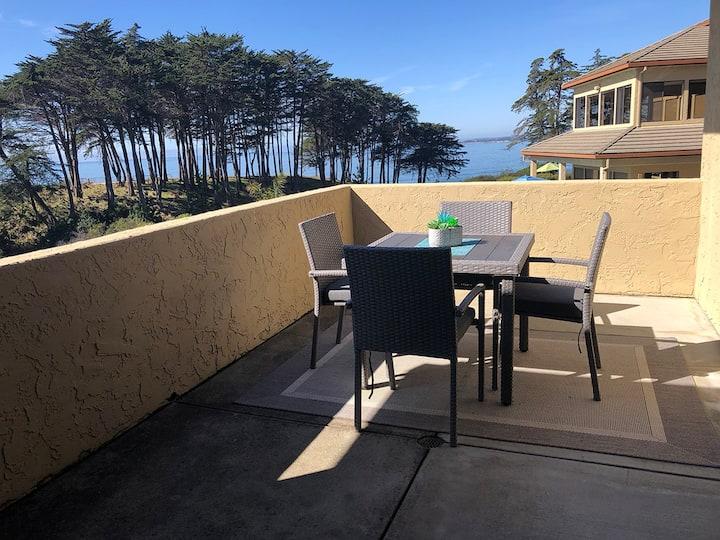 Oceanfront 1BR Condo at Seascape Beach Resort