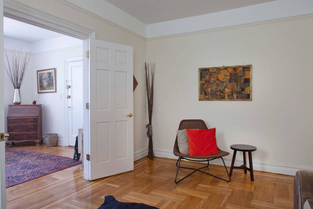 Huge sunny renovated townhouse appartamenti in affitto for Appartamenti in affitto new york city