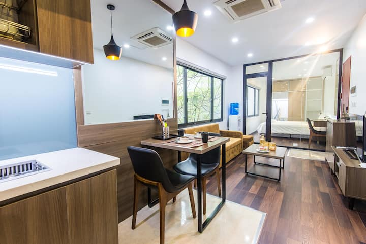 NEW Bright 1 Bedroom APT in Ba Dinh-Linh Langstr