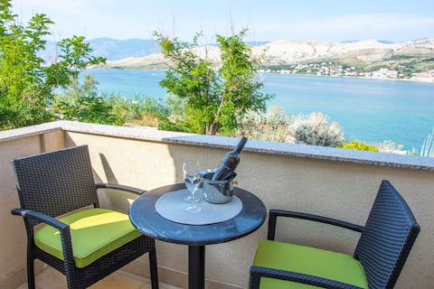 Studio apartment for 2 with sea view balcony