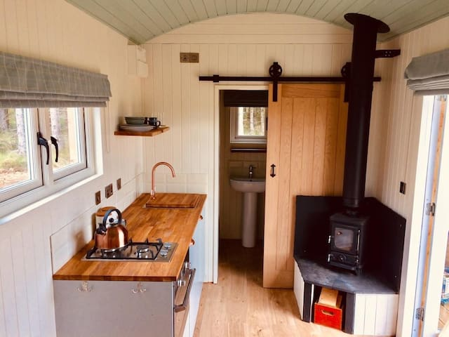 Shepherd's Hut with stunning mountain views