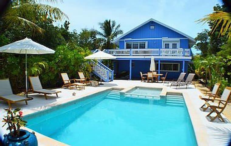 Hide Away Villa Grace Bay walk to Beach/Reef 3BR3B