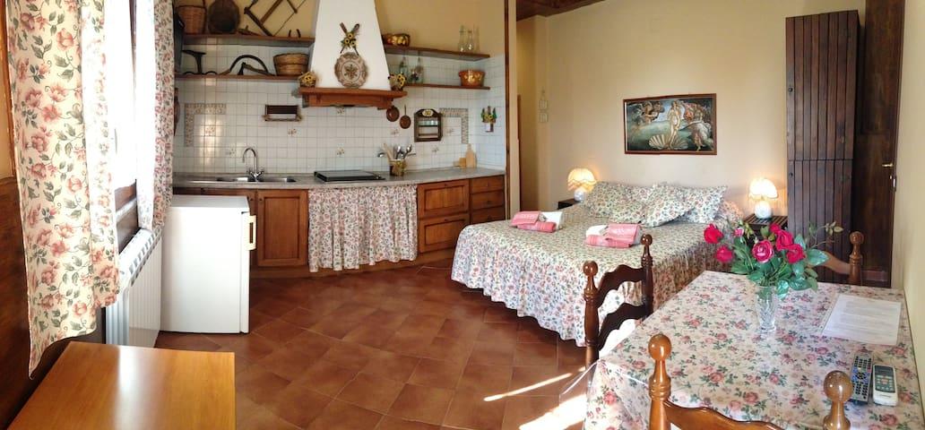 Monolocale in Villa con Piscina - Mascalucia - Oda + Kahvaltı