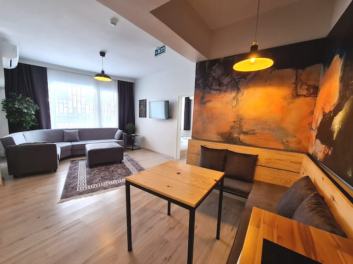 Two Bedroom Private Apartment - Gray 1st Floor