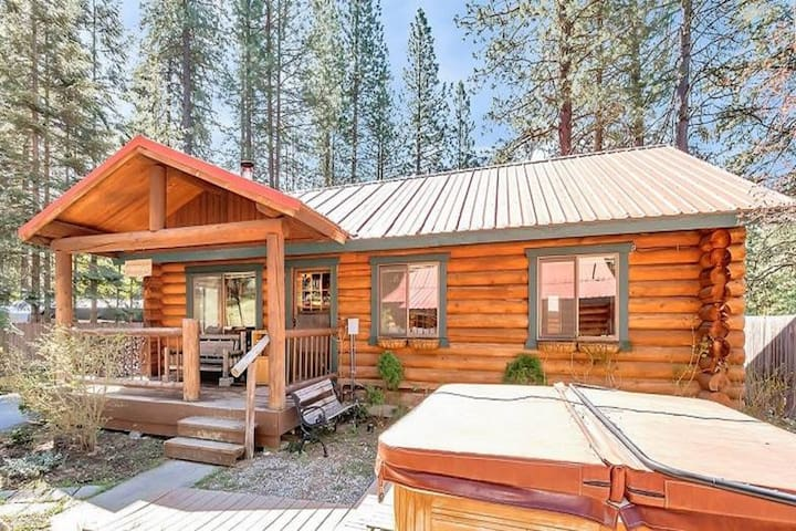Riverfront, dog-friendly cabin w/ hot tub, BBQ station & stunning views!