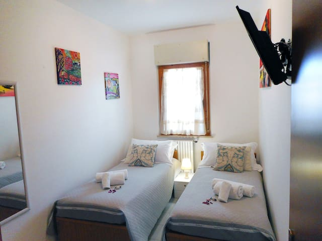 Casa Bahia - Davoli Marina - stanza letti singoli