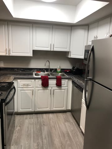 Spacious furnished 2 bedroom near UNLV
